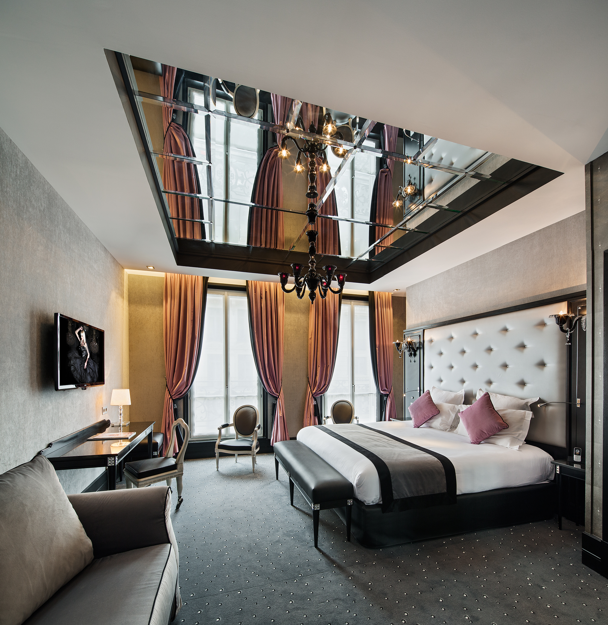 Maison Albar Hotels Le Diamond Executive Suite and Sofa
